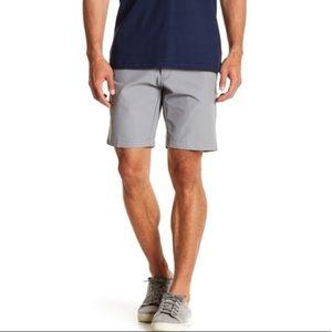 Calvin Klein Men's Gray Tech Slim Fit Shorts Sz 36
